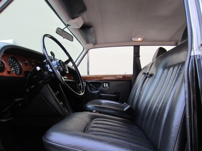 1974 Rolls-Royce Silver Shadow Sedan