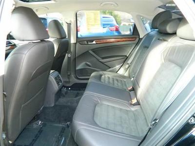2013 Volkswagen Passat SEL Premium