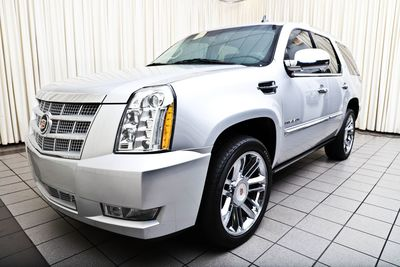2013 Cadillac Escalade Platinum Edition