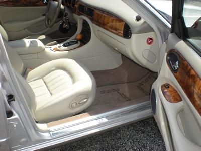 2002 Jaguar XJ8 Sedan